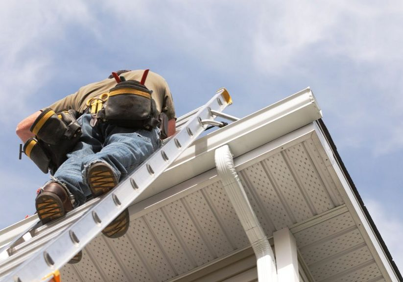 siding and soffit worker
